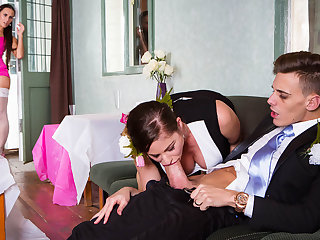 Cathy Heaven & Mea Melone & Chris Diamond in An Open Minded Marriage - Brazzers